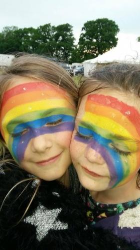 Rainbow Hedge Kids